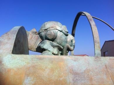 bronze Saint Exupery details (6)